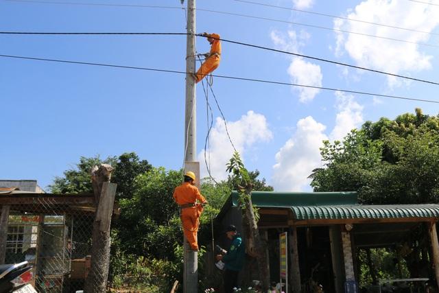 Điện về thôn, bà con có điều kiện phát triển kinh tế