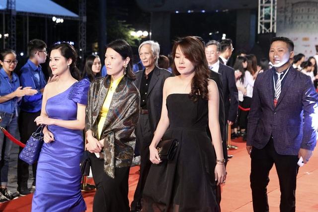Nghệ sĩ Việt và quốc tế lộng lẫy trên thảm đỏ LHP Quốc tế Hà Nội V - 26