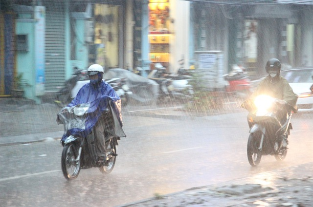 Ảnh hưởng không khí lạnh, nhiều nơi ở miền Trung mưa giông. (Ảnh minh họa: Nguyễn Dương).