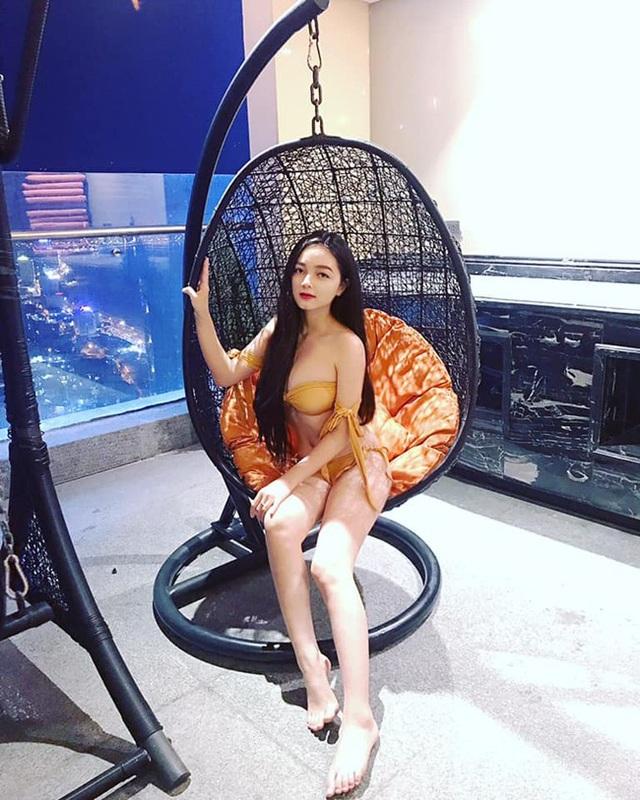 Ngoài công việc kế toán tại một spa, Quỳnh Trâm còn làm mẫu ảnh.