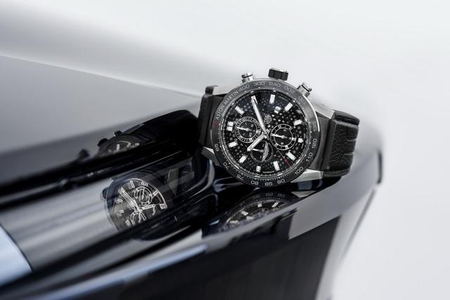 Chiêm ngưỡng tuyệt phẩm đồng hồ Tag Heuer mới làm cho chủ xe Aston Martin - 10