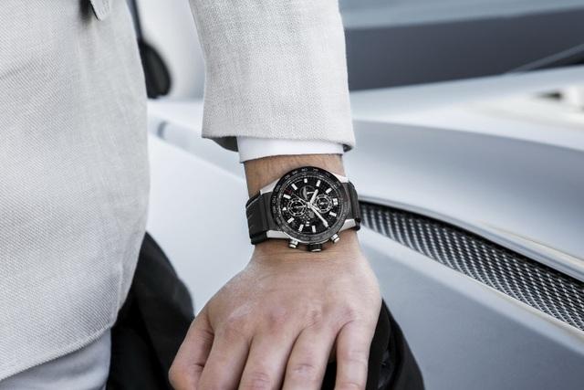 Chiêm ngưỡng tuyệt phẩm đồng hồ Tag Heuer mới làm cho chủ xe Aston Martin - 8