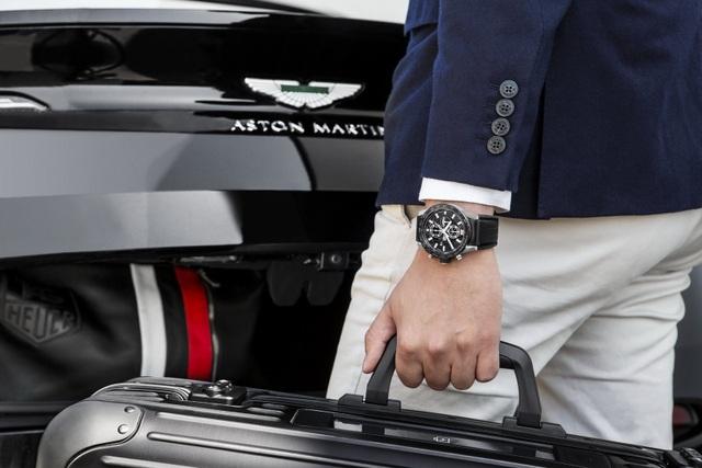 Chiêm ngưỡng tuyệt phẩm đồng hồ Tag Heuer mới làm cho chủ xe Aston Martin - 7