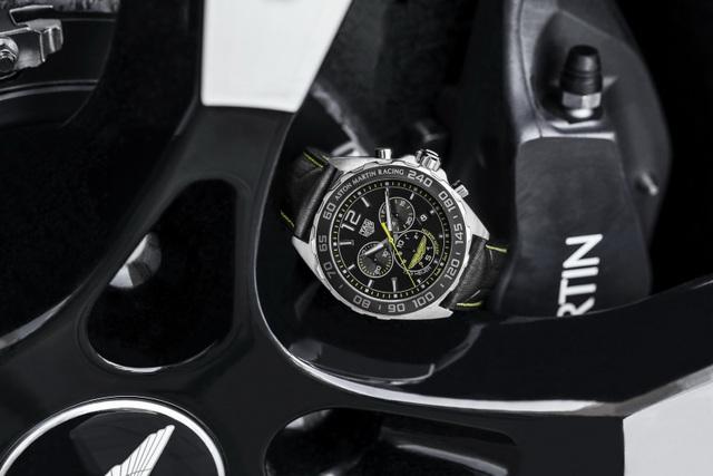Chiêm ngưỡng tuyệt phẩm đồng hồ Tag Heuer mới làm cho chủ xe Aston Martin - 6