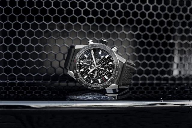 Chiêm ngưỡng tuyệt phẩm đồng hồ Tag Heuer mới làm cho chủ xe Aston Martin - 5