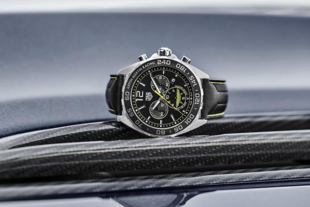 Chiêm ngưỡng tuyệt phẩm đồng hồ Tag Heuer mới làm cho chủ xe Aston Martin - 4