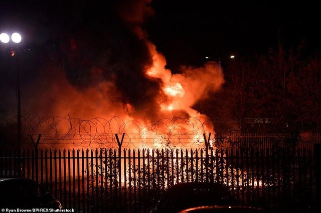Hiện trường xảy ra vụ tai nạn máy bay chứng kiến quầng lửa đỏ rực bốc lên ngay tại thời điểm chiếc máy bay rơi.