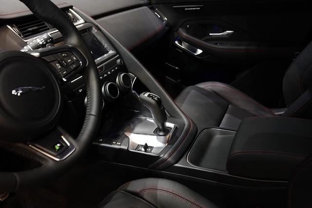 """Giá dưới 3 tỉ đồng, Jaguar E-Pace """"tuyên chiến"""" với Porsche Macan và Range Rover Evoque - 9"""