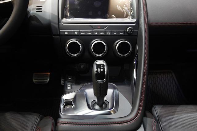 """Giá dưới 3 tỉ đồng, Jaguar E-Pace """"tuyên chiến"""" với Porsche Macan và Range Rover Evoque - 8"""