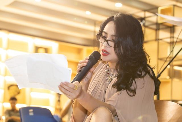 Diva họ Đoàn sẽ thể hiện hai ca khúc do Phạm Phương Thảo sáng tác.