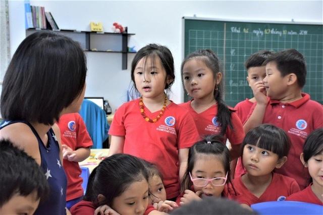Trẻ em cần được khuyến khích nói lên cảm xúc để tránh dồn nén.