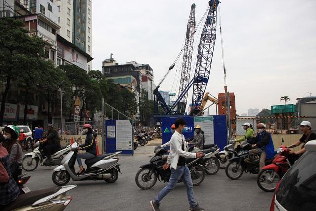 Rào đường Kim Mã phục vụ thi công ga ngầm đường sắt đô thị Hà Nội - 13