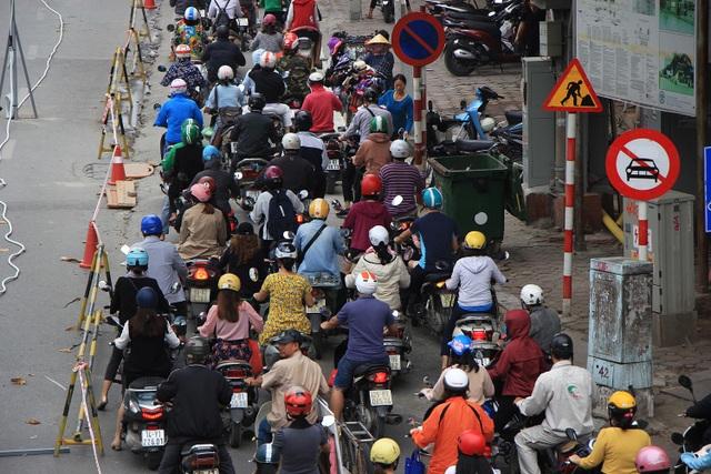 Rào đường Kim Mã phục vụ thi công ga ngầm đường sắt đô thị Hà Nội - 11