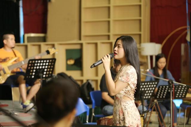 Ca sĩ Thu Hằng cũng sẽ xuất hiện trong liveshow Mơ duyên của Phạm Phương Thảo với tư cách khách mời.
