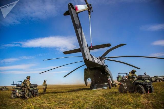 Trực thăng Mi-26 hạ cánh tại bãi tập Tsugoi tại khu vực Zabaykalsky trong cuộc tập trận Vostok-2018.