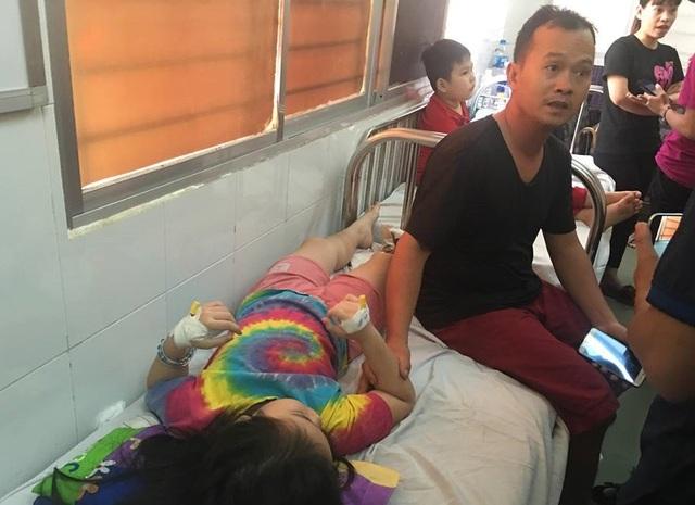 11 trẻ đã phải chuyển đến Bệnh viện Nhi Đồng 1 cấp cứu, điều trị vì diễn tiến nặng