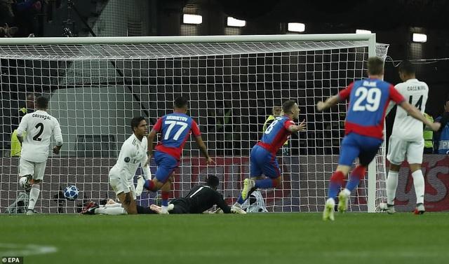 Vlasic ghi bàn thắng duy nhất của trận đấu cho CSKA Moscow