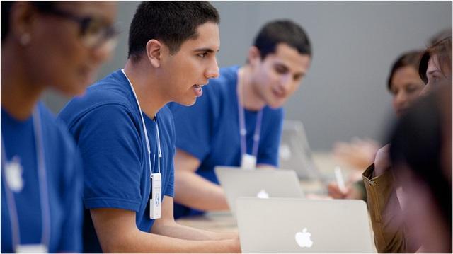 Nhiều nhân viên tài năng đã cống hiến một phần cuộc đời của họ cho Apple nhưng giờ thường xuyên bị xử lý kỷ luật và bị đuổi vì báo cáo các vấn đề của công ty giống như dưới thời của Jobs, Darren nói.