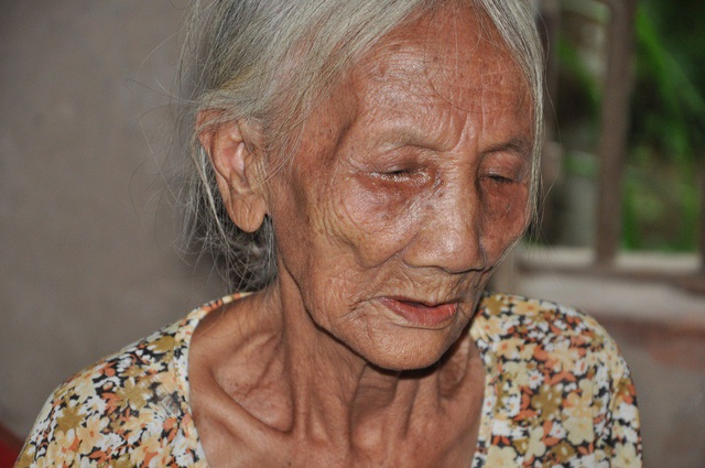 Bước sang tuổi 85 nên sức khỏe của bà khá yếu.
