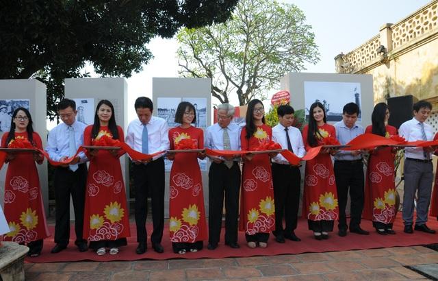 Khai mạc triển lãm Hà Nội: Những khắc tháng 10/1954 tại Hoàng thành Thăng Long.