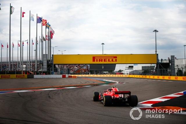 """Bottas chủ động """"nhường"""" chiến thắng chặng Sochi cho Hamilton - 9"""
