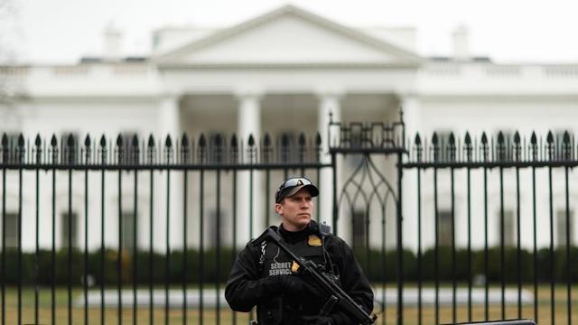 Mật vụ Mỹ đã ngăn chặn bưu phẩm chứa chất độc gửi tới Nhà Trắng. (Ảnh: Reuters)
