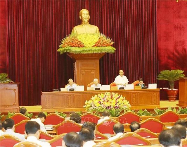 Đồng chí Nguyễn Xuân Phúc, Ủy viên Bộ Chính trị, Thủ tướng Chính phủ điều hành phiên thảo luận. Ảnh: Trí Dũng/TTXVN