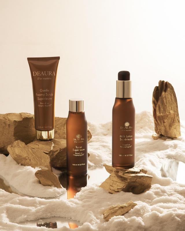 3 sản phẩm trong bộ mỹ phẩm DeAura giúp làm sạch da