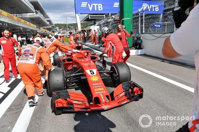 """Bottas chủ động """"nhường"""" chiến thắng chặng Sochi cho Hamilton - 7"""
