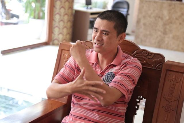 Anh Nguyễn Tuấn Linh, giáo viên Trường dạy trẻ điếc Nhân Chính (Hà Nội), Trưởng ban Vận động Hội người điếc Việt Nam cho rằng, cần đưa vào luật một số điều để công bằng cho học sinh khuyết tật. (Ảnh: Đ.Q).