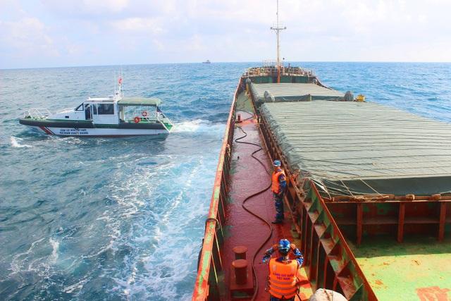 Tàu hàng Thuận Phát 88 bị lực lượng chức năng tạm giữ