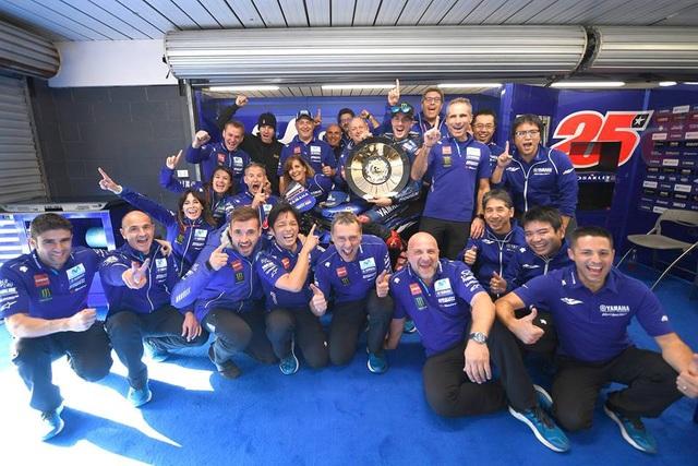 Vinales chiến thắng trong ngày bộ đôi Repsol Honda Team bỏ cuộc - Ảnh 12.