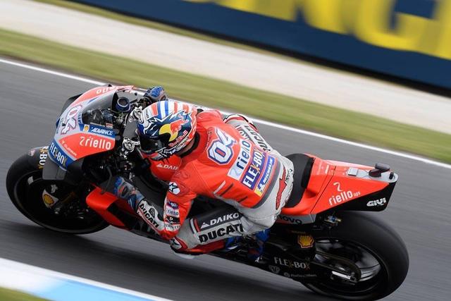 Vinales chiến thắng trong ngày bộ đôi Repsol Honda Team bỏ cuộc - Ảnh 8.