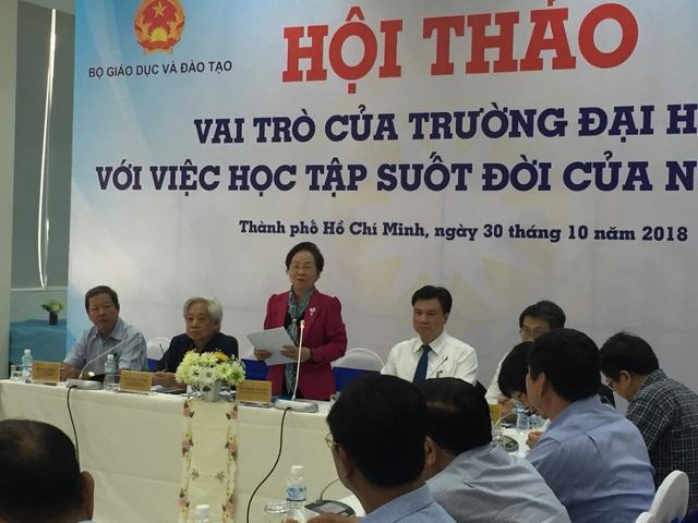 Chủ tịch Hội Khuyến học Việt Nam Nguyễn Thị Doan phát biểu tại hội thảo Vai trò của trường ĐH với việc học tập suốt đời của người lớn