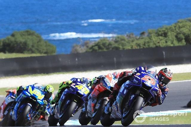 Vinales chiến thắng trong ngày bộ đôi Repsol Honda Team bỏ cuộc - Ảnh 2.
