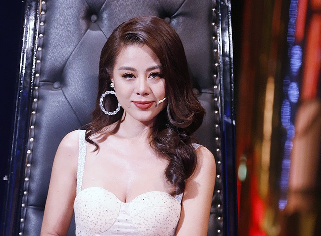 Nữ diễn viên Nam Thư cho biết bản thân cô đã từng phải lựa chọn giữa hôn nhân và sự nghiệp và cuối cùng, cô đã chọn sự nghiệp. Bản thân là người lý tính nhưng cô khi yêu cũng là người rất ghen, nhưng ghen một cách văn minh và tử tế.