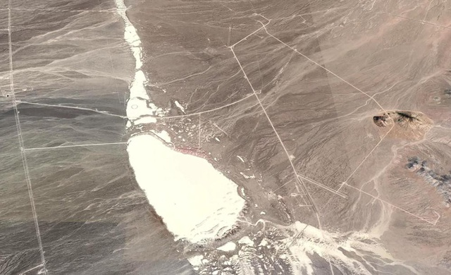Khu vực bãi thử Tonopah (Mỹ) được đồn đoán có liên quan đến người ngoài hành tinh.