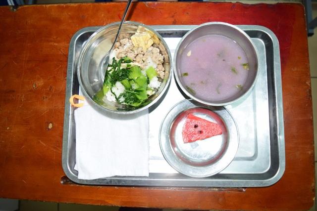 Chất lượng bữa ăn bán trú đóng vai trò quan trọng đối với sự phát triển toàn diện của trẻ em lứa tuổi tiểu học.