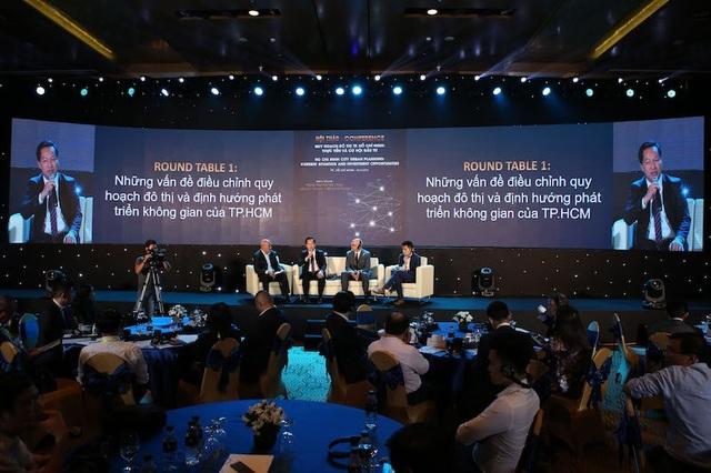 """Lãnh đạo TPHCM, đại diện các doanh nghiệp và chuyên gia đã cùng phân tích, """"mổ xẻ"""" nhiều vấn đề về quy hoạch đô thị"""