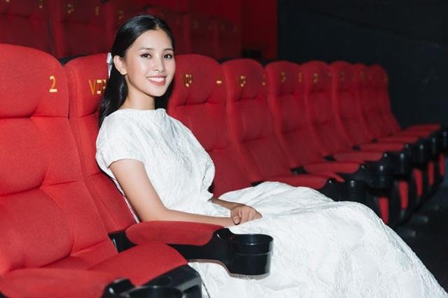 Hình ảnh duyên dáng, xinh đẹp của Hoa hậu Việt Nam Tiểu Vy tại sự kiện.