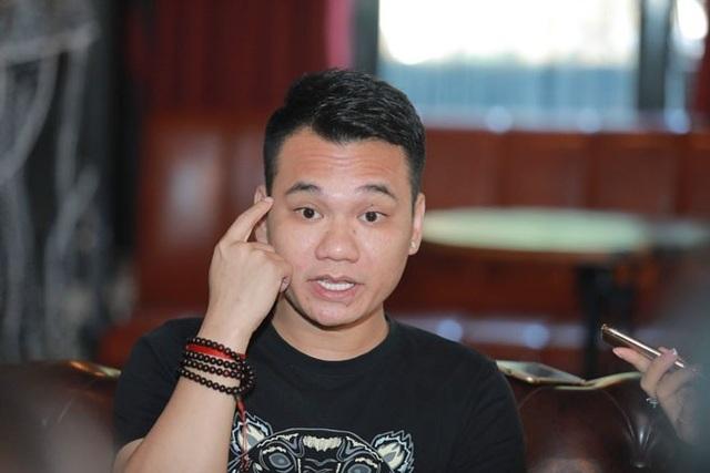 Khắc Việt gửi lời xin lỗi khán giả và em trai về phát ngôn chưa đúng mực. (Ảnh: Bin Leo)