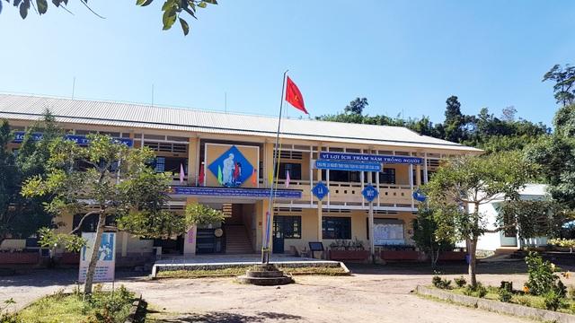 Trường PTDTBT THCS Nguyễn Văn Trỗi có 165 học sinh không được hưởng chế độ bán trú theo Nghị định 116 của Chính phủ