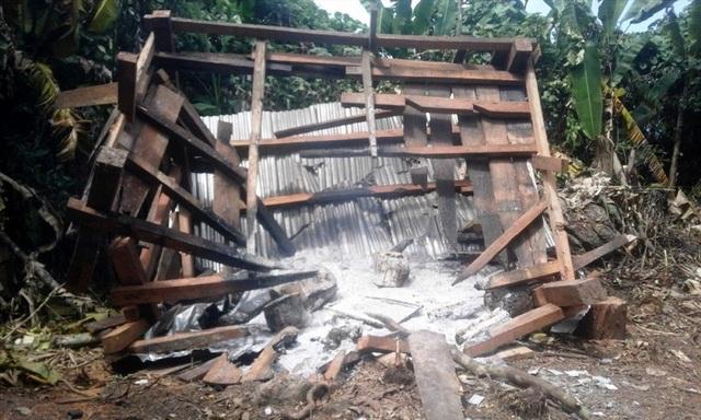 Chòi canh rừng do chính quyền xã A Bung dựng lên bị đốt, phá lần thứ 3