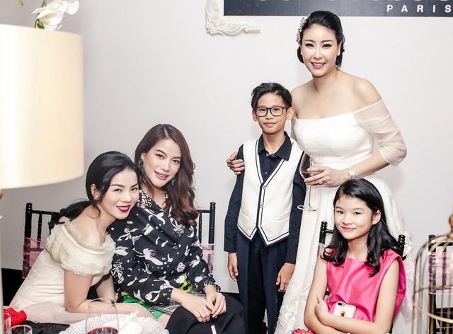 Ca sĩ Lệ Quyên, người đẹp Trương Ngọc Ánh và con gái