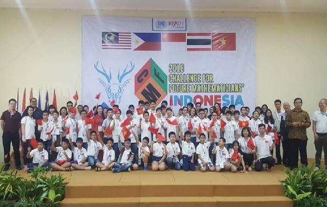 Đoàn học sinh Việt Nam tham dự Kỳ thi Thử thách các nhà Toán học tương lai năm 2018 tại Bogor, Indonesia.