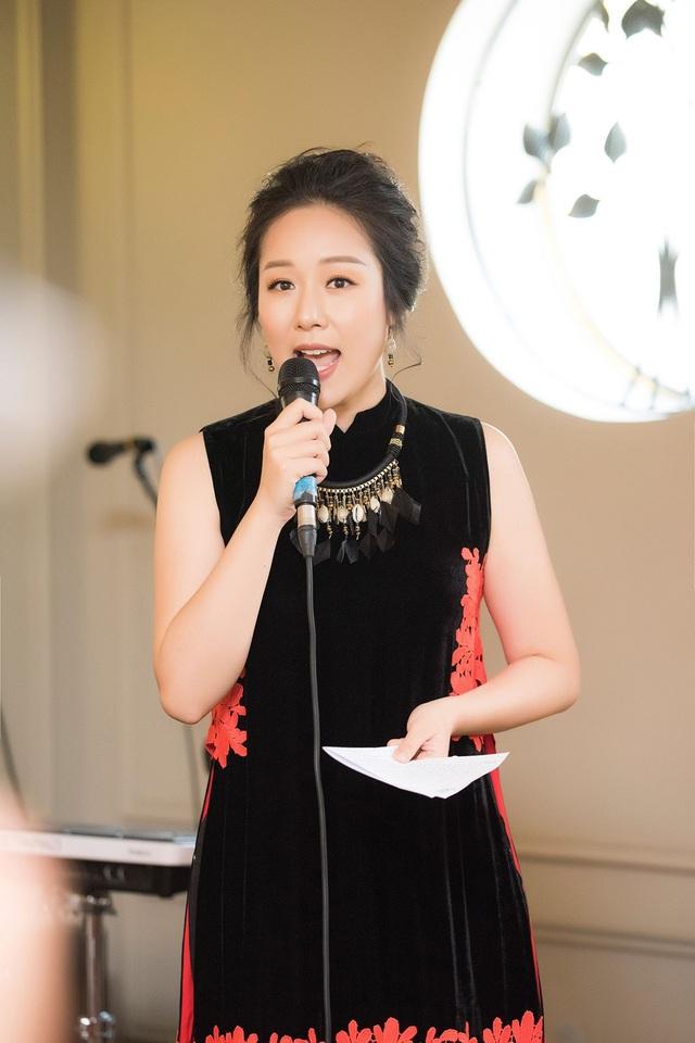 Ngoài công việc về ngành ngoại giao, Ngô Phương Lan còn là một MC thân thiết của Đài Truyền hình Việt Nam.