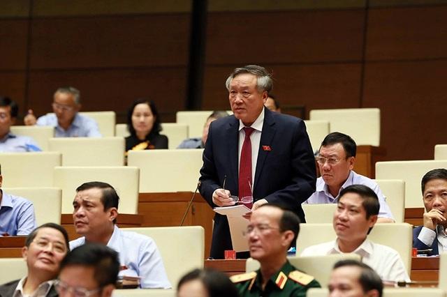Chánh án TAND tối cao Nguyễn Hòa Bình trả lời chất vấn