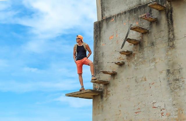 Có khi cũng nguy hiểm khi những nấc thang bị hư hỏng
