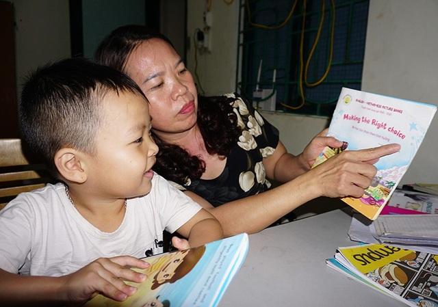 Các chữ bằng tiếng Anh, Bin đều có thể đọc rất lưu loát.