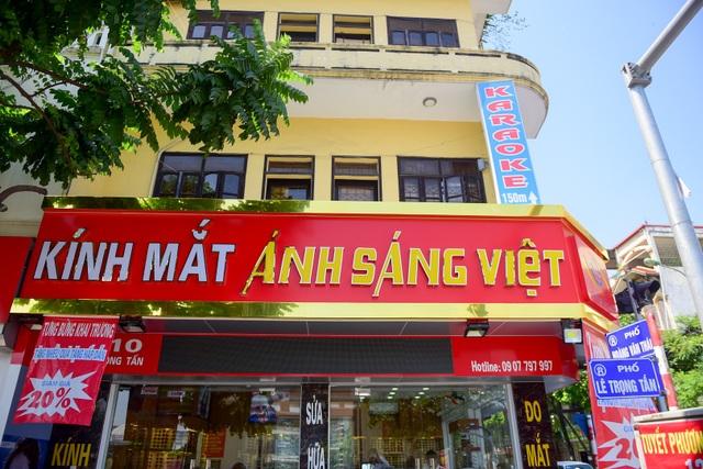 """Biển hiệu """"đồng phục hàng loạt"""" ở Hà Nội thất bại sau 2 năm - 5"""